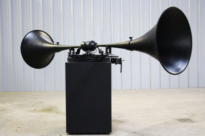 raymond_delepierre-stubbornly_waves-2-art_sonore-sound_art-city_sonic-transcultures-2019-1024x683